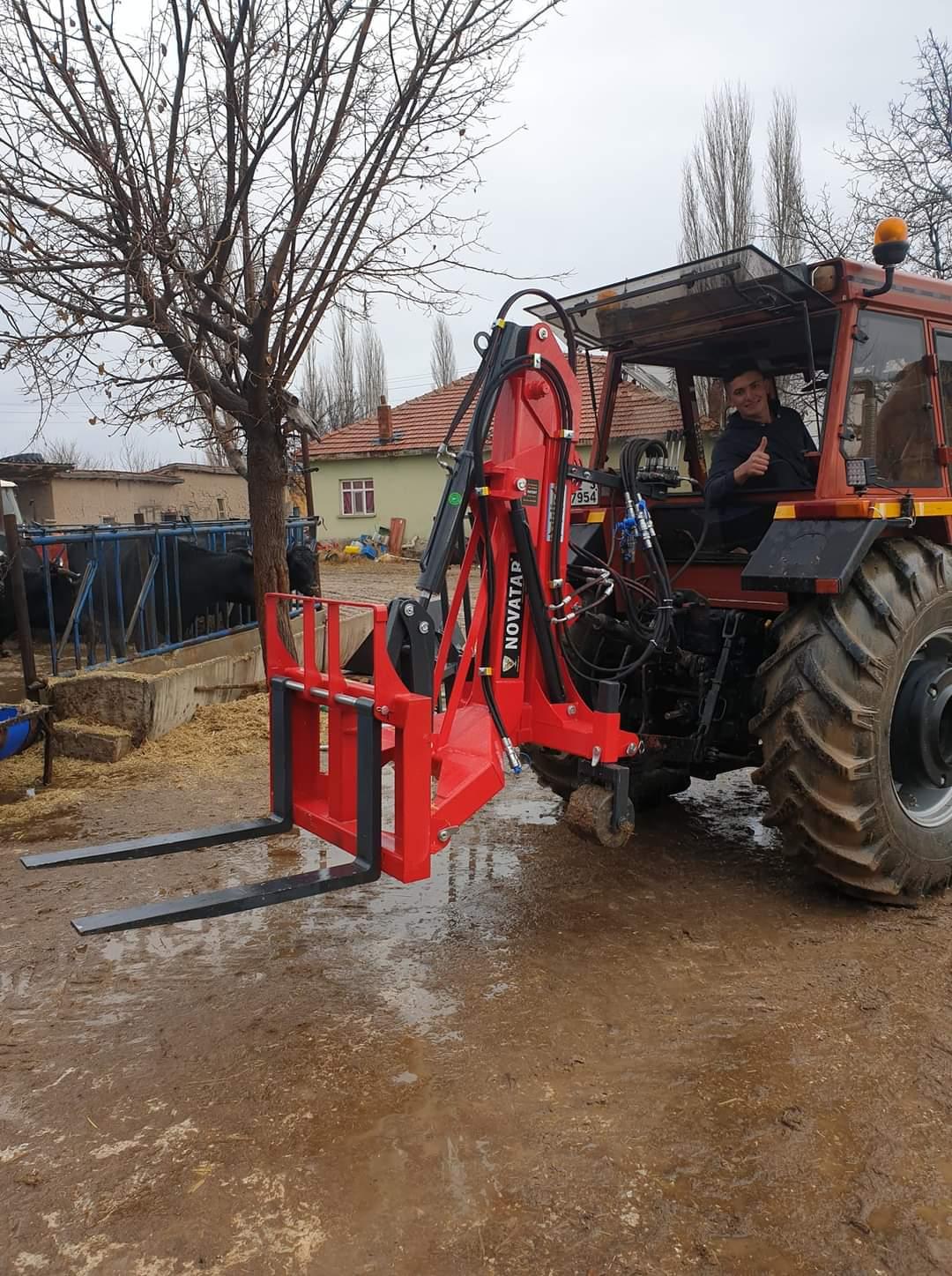 rear-loader-with-pallet.jpg